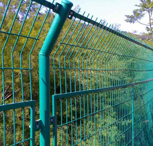 High Quality 4mm PVC Welded Wire Mesh Fence Home Garden V Folds Welded Wire Mesh Fence